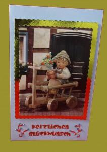 Bollerwagen sitzt Junge